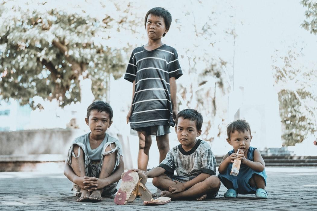 戦後に日本人の父親とフィリピン人の母親との間に生まれた子供たち